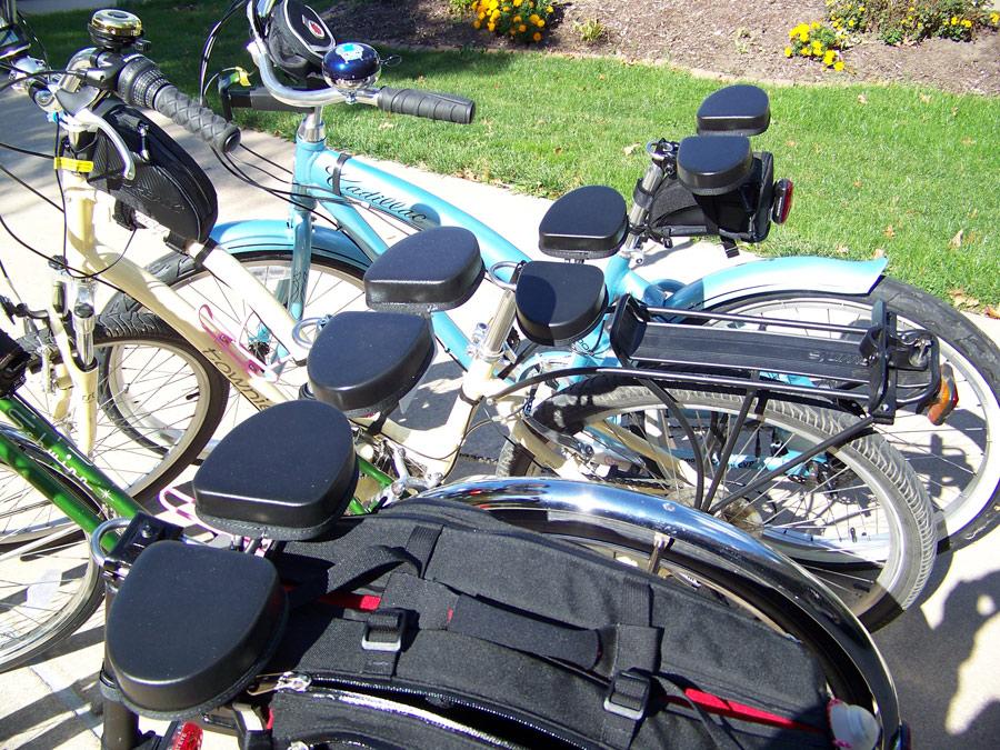 Universal Replacement Bicycle Seat Breathable Shock Absorbing Soft Cycling Cushion Pad Waterproof PU Bike Seat Noseless Big Butt Bike Seat HONUTIGE Wide Bike Saddle